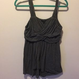 Tops - Flattering Express tank top grey L
